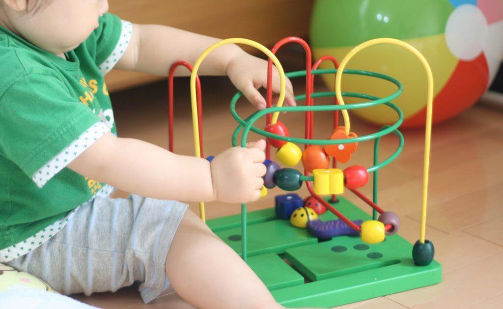 子どものおもちゃ遊びは知育につながる
