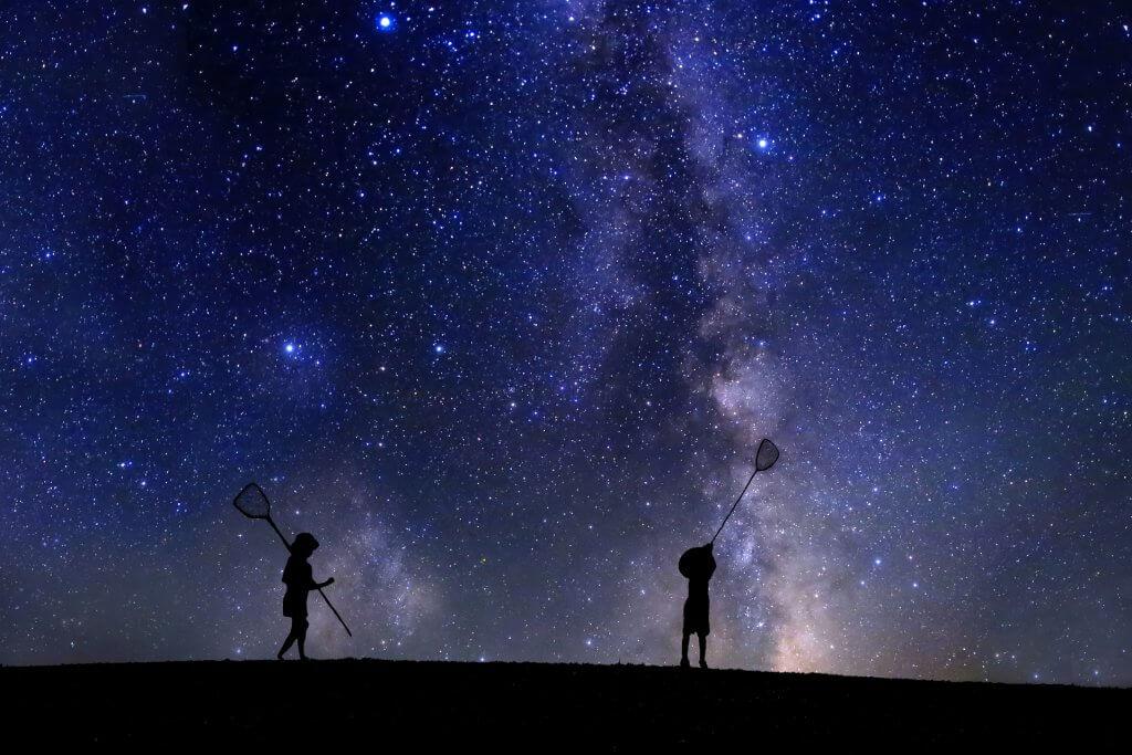 家族で星空観測!夏に見える星や星座を見つけに行こう!